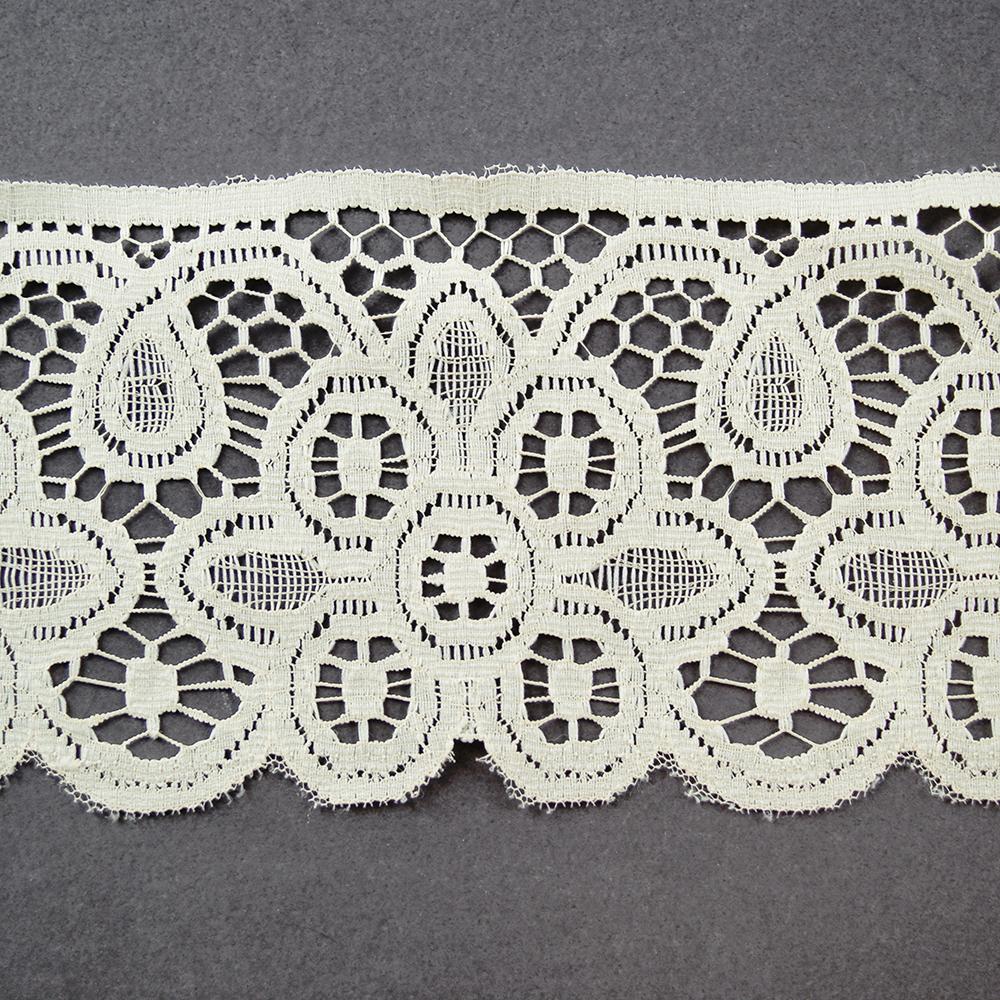 4 cream battenburg lace www